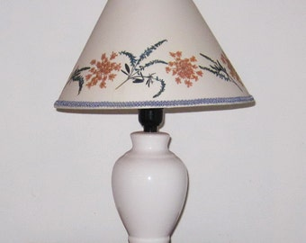 Pressed flower bedroom lamp in blue and rose