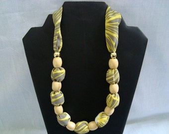 Lightweight fiber necklace