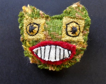 frog textile brooch pin