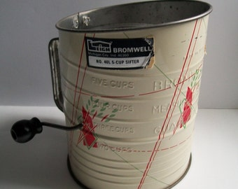 Vintage Flour Sifter Green Red Wheat Pattern on Cream Bromwell 5 cup