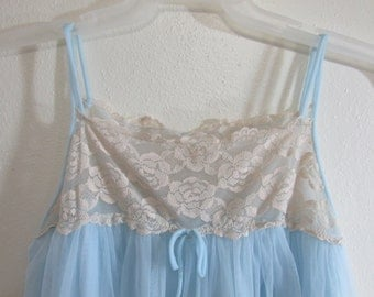 1960s Peignoir Set 2 Piece Light Blue Chiffon and Lace