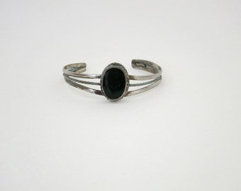 BLACK JEWEL // bohemian 1970s cuff bracelet