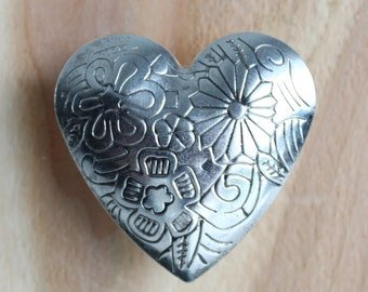 Heart Drawer Knobs - Decorative Knobs with embossed Floral Pattern (MK151)