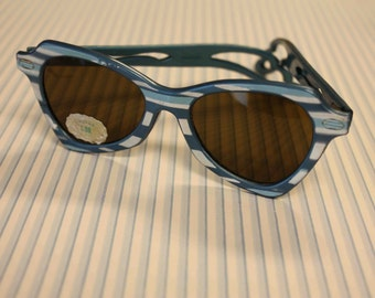 Vintage glamour girl sunglasses