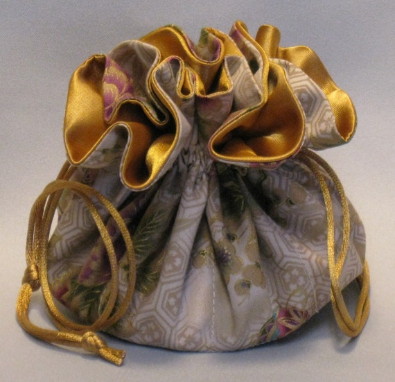 Jewelry Travel Tote---Drawstring Organizer Pouch---Holiday Floral Design------Medium Size