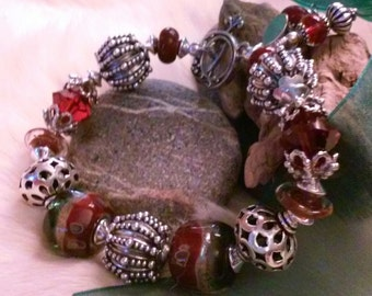 SEASONAL SPIRITS Sterling silver and Lampwork Bracelet