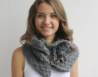 Handmade Gray Wool Chunky Loop Cowl Collar with leather link Scarf Christmas gift
