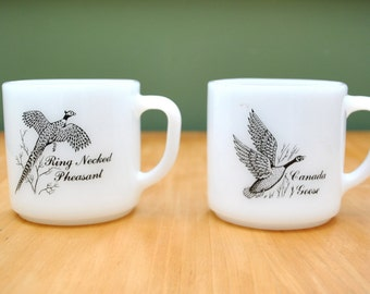 Vintage coffee cups for hunters pheasant grouse goose ducks 2 mugs white Pyrex hunter mugs