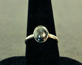 Sterling silver and Hematite gemstone cabochon ring