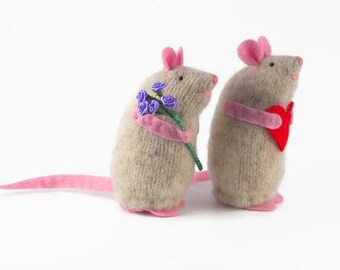 one toy rat, rat cake topper, rat couple, waldorf toy, child's toy, stuffed toy rat, rat keepsake, rat miniature