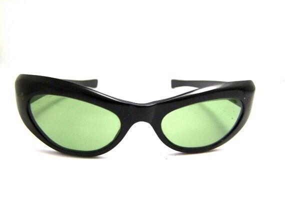 1950s Cats Eye Sunglasses // 50s Catseye Eyeglasses // Black Green lenses // Ready to wear