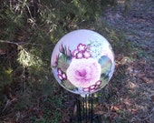 Pearl Iridescent Gazing Ball w/Pink Rose Bouquet with Blue Flowers