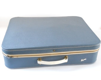 Vintage Skyway Suitcase • 1960s Zippered Soft Sided Luggage