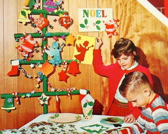 REDUCED Vintage 1960s Childrens Craft Book / Whitman Christmas Stencils 1964 NOS / 23 Stencils and Colored Paper for Holiday Decorations