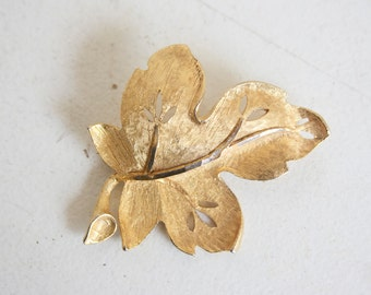 BSK Brooch, Gold Leaf, Signed Vintage Jewelry, Gift For Her, Gift For Mom, Friend, Under 20, Little Something, Designer Jewelry, Costume