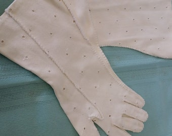 Vintage Eyelit Ladies Gloves