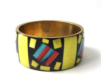 vintage 1960's brass & bone wide bangle bracelet real animal dyed inlay yellow black blue geometric metal womens accessories accessory old