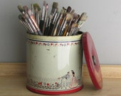 vintage  tin container - Biscuit Tin - metal  - home decor