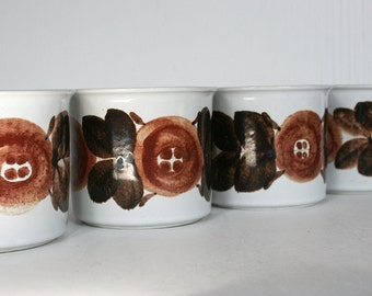 Extra large Arabia of Finland mugs in Rosmarin pattern. Ulla Procope, anemone, hand painted, brown, retro, rustic, heavy.