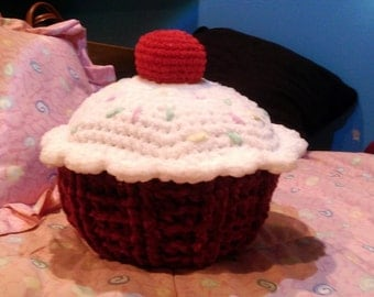 Red Velvet Cupcake with sprinkles and a cherry on top! Food Pillow, Crochet Pillow, Sweet Dreams