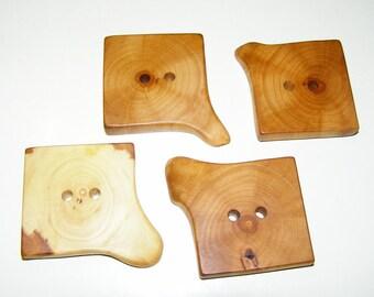 "4 Handmade apple wood buttons, accessories (1,57x1,57"" diameter x 0,31"" thick)"