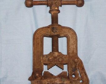 Pipe Vise, Vintage, Industrial Decor, Farm Salvage, C34