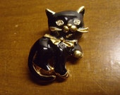 Vintage 1970's/1980's  Kitty Cat Brooch