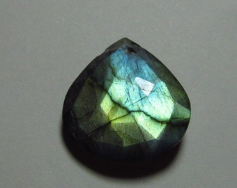 So Gorgeous Nice Quality - Faceted Heart Shape Briolett Focal - LABRADORITE - Drilled Amazing Strong Flashy Fire Huge Size 22x23 mm DRILLED