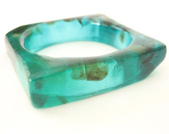 Emerald Green Resin Bracelet, square resin bangle bracelet jewelry , chunky bracelet , emerald  green , womans bangle , jewellery australia
