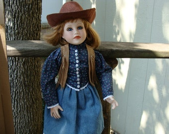 Savannah Collectible Porcelain Doll Connie Johnston NIB