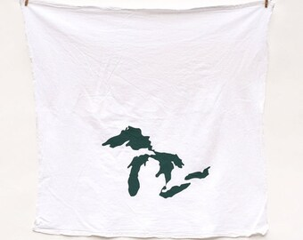 Great Lakes Michigan Towel : Flour Sack Kitchen Tea Towel for the Home + Great Gift Idea for the Michigander