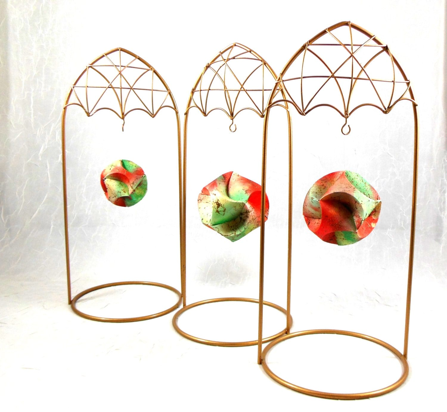 Gold Wire Ornament Stands Display for Ornaments Christmas