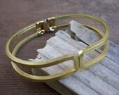 vintage brass bangle / hinged bangle / vintage bracelet / SQUARED BRASS BANGLE