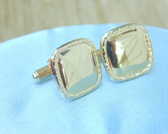 Mens CUFFLINKS. Hollywood. Mens Cuff Links. shiny as a mirror. Mens Accessories. Mens Jewelry. Goldtone Cufflinks. vintage 1960s. 1950s.