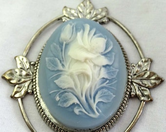 Cameo Pendant Wedgewood Blue and White Rose Bud Resin Silver Plated Apparel & Accessories Jewelry Vintage Jewelry Brooch Cameo