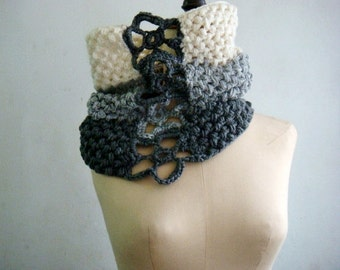 Ombre Cowl with Flowers, Three Colors Cowl, Circle Scarf, Knit Neck Warmer