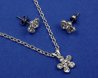 Clear Crystal Flower Necklace Earring Set, Rhinestone, Silver Chain, Stud Earrings