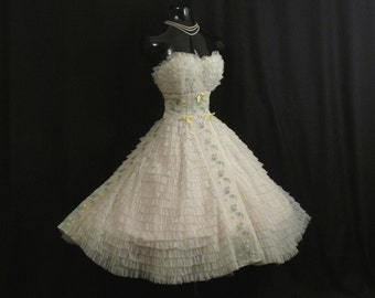 Vintage 1950's 50s Bombshell STRAPLESS White Ivory Lemon Embroidered Chiffon Organza Party Prom Wedding DRESS Gown