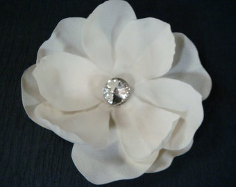Bridal Champagne Hair Flower / champagne bridal flower hair clip or brooch / beach wedding rhinestone flower clip