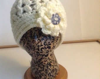 Creamy Crochet Flowered Beanie