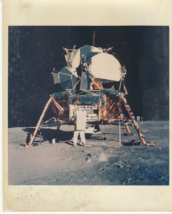 apollo 11 essay Are you assigned to write an essay on nasa's space mission read the following article about apollo 13 that can be a good example of such paper.