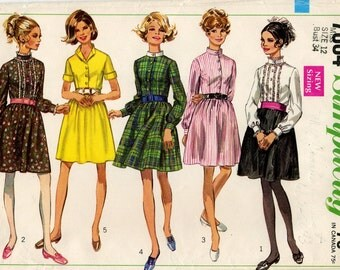 Misses' Vintage Dress With Skirt Gathered at the Waistline and Collar Variations Sewing Pattern - Simplicity 7804 - Size 12