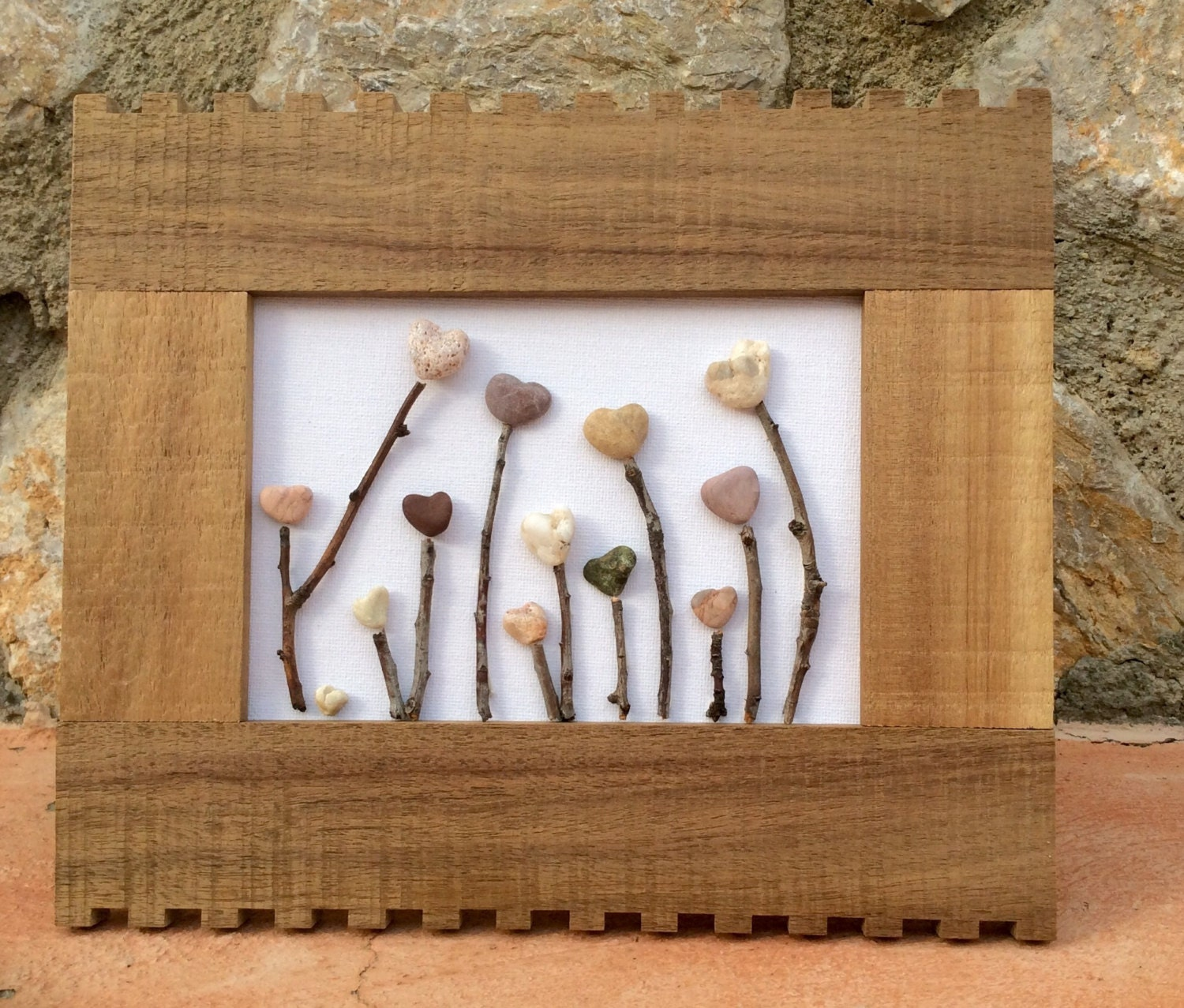 Stoner wall art elitflat pebble art beach pebble picture heartscape in wooden frame solutioingenieria Gallery