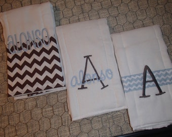 Personalized set of 3 burp cloths
