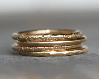 18k Gold Wedding Ring - Choose Your Textured Gold Band - Eco-Friendly Recycled Gold