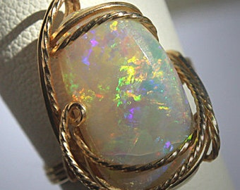 Stunning Vintage Large Australian Opal Ring 14K Gold Estate Wedding