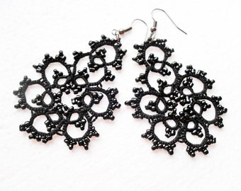Tatted earrings with glass beads