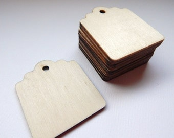 NATURAL WOOD Tag - Qty 10 - 1 1/2 x 1 3/4 - Scallop - Canning Jar Label - Place Card - Rustic wedding - Woodland