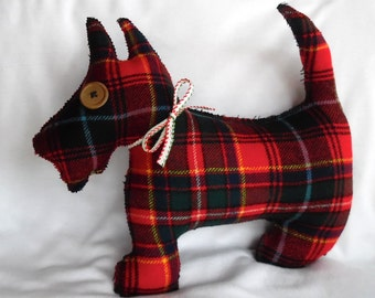Christmas Scotty Dog in Wool Plaid / McIver