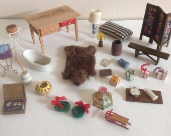 Lot of Miniatures for Dollhouse